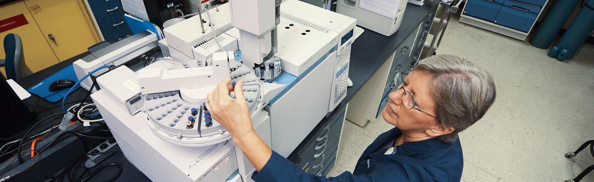 Auto- sampler on GC-MS reduces turnaround time